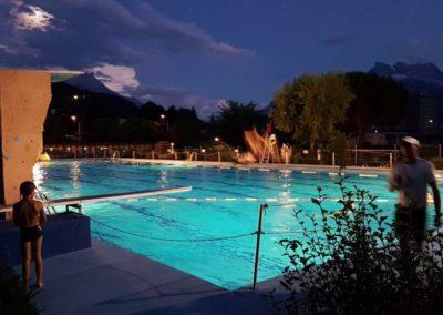 piscine de aigle la nuit